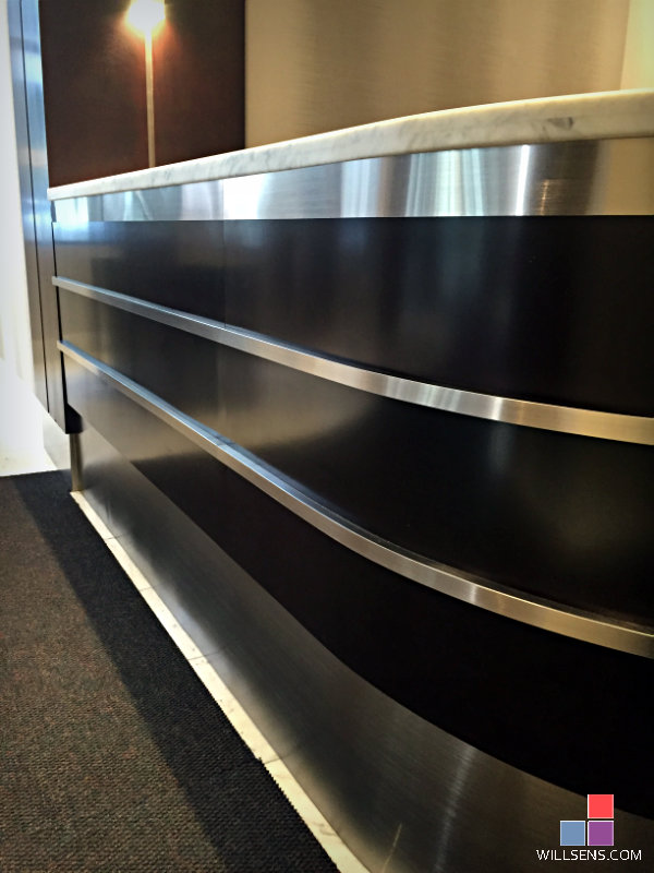 Custom Reception Desks For Your Office Lobby Or Small
